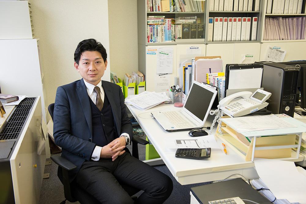 優 司法書士法人 代表司法書士 上村 拓郎さん